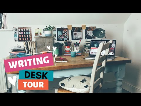 A Writer's Desk Tour | calm, cosy & productive