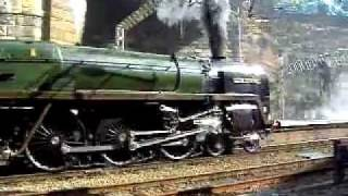 Oliver Cromwell  Steam Train Liverpool Lime Street 21/8/2011