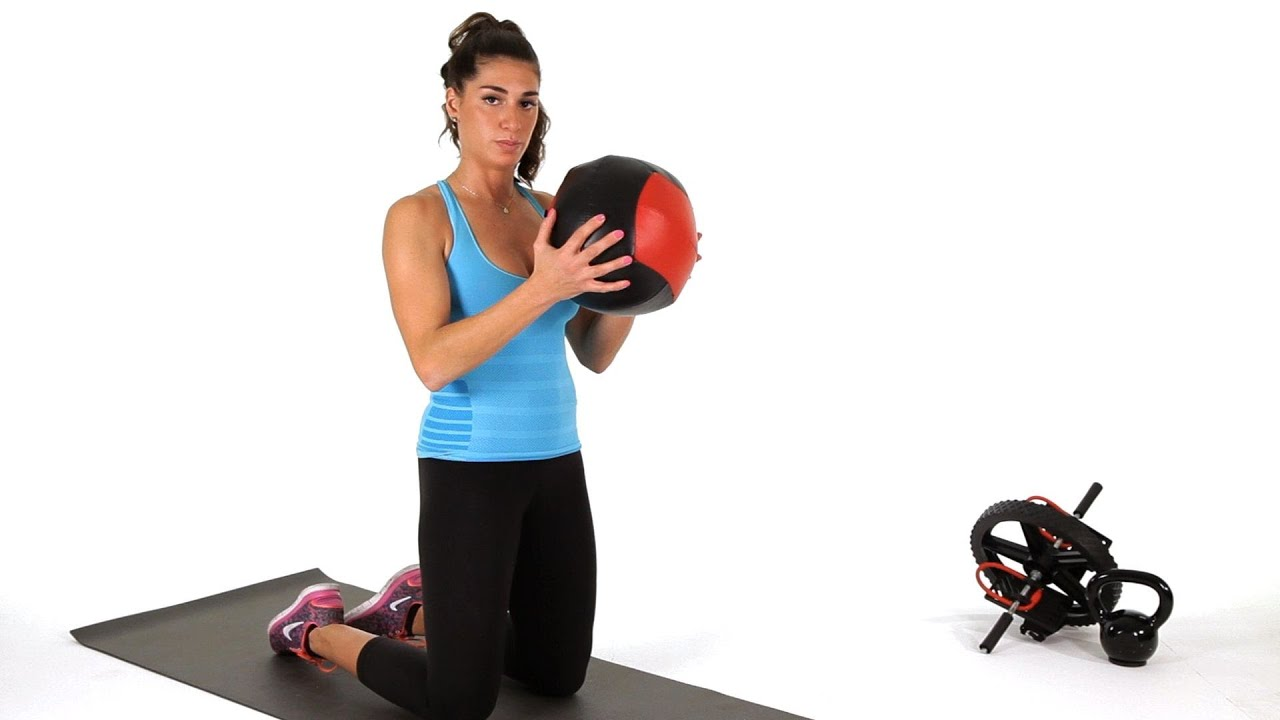 How to Do Kneeling Chops w/ Medicine Ball | Abs Workout ...