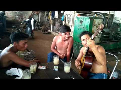 Trio Siak Jaya, duri.. Sae ma holan au gabe korban mu..