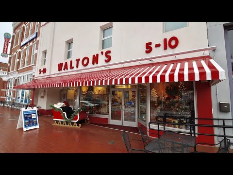Birthplace Of Walmart - Inside The First Store & Museum / Grave Of Sam Walton