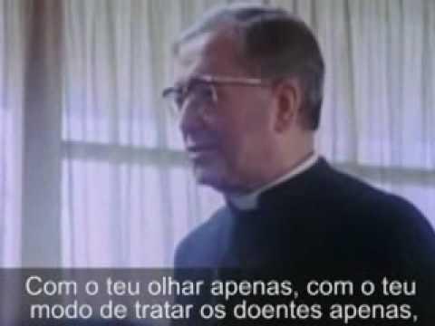 """São Josemaria Escrivá: """"Padre não me sobra tempo""""."""