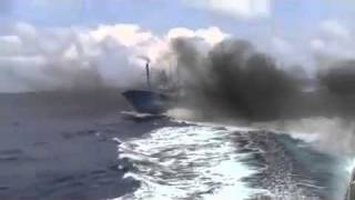 Japanese coastguard hit Chinese fishing boat at Diaoyu Island Video 5-钓鱼岛撞船录像全版6/5