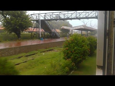 Pak Rail || Rainy Weather || Margalla Express Passing Gujar Khan Railway Station