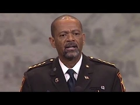 BREAKING: SHERIFF DAVID CLARKE RESIGNS FROM HIS POST, SEE WHY HE DID IT