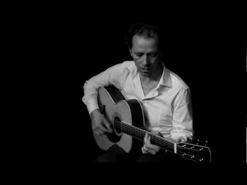 solo blues rock and roll acoustic guitar how to learn guitar by Yannick Lebossé