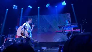 Download Lagu Alec Benjamin - If I Killed Someone For You + Boy In The Bubble // Live in Seoul, Korea 알렉벤자민 내한 mp3
