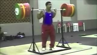 How Weightlifters Train