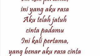 Download lagu Blink - Jatuh Cinta With Lirik