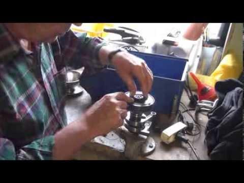 Puch Maxi k motor, udskiftning af Lejer og Pakdåser - YouTube