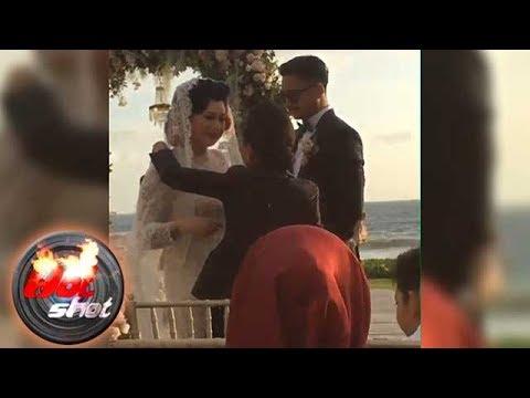 Derby Romero dan Claudia Adinda Menikah di Bali - Hot Shot 15 Oktober 2017