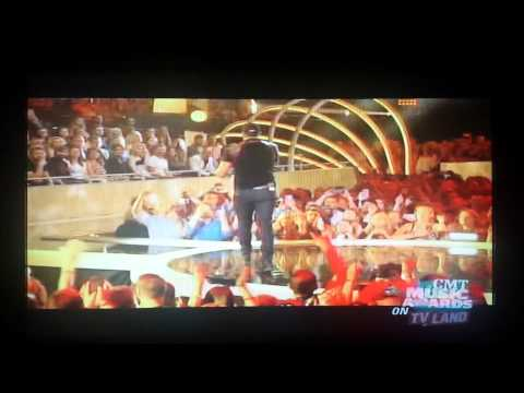 Luke Bryan at the CMT Music Awards