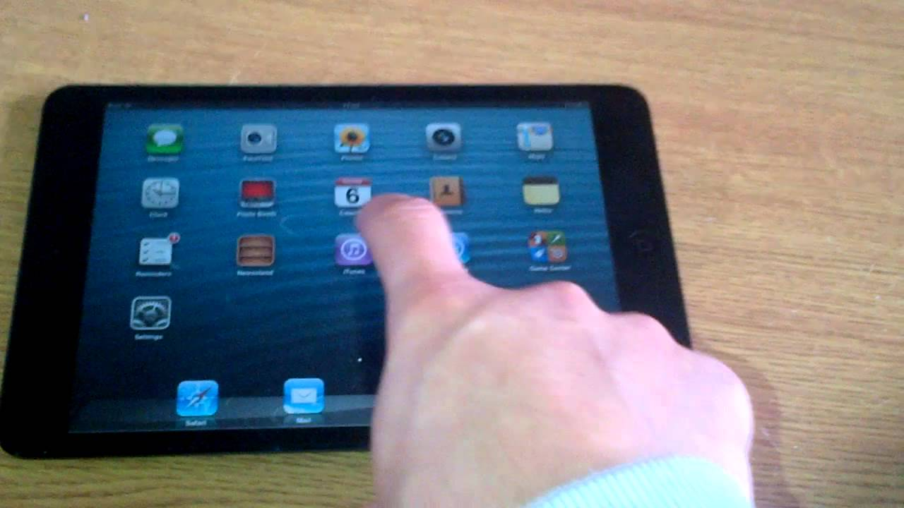 iPad Mini Ghost touching