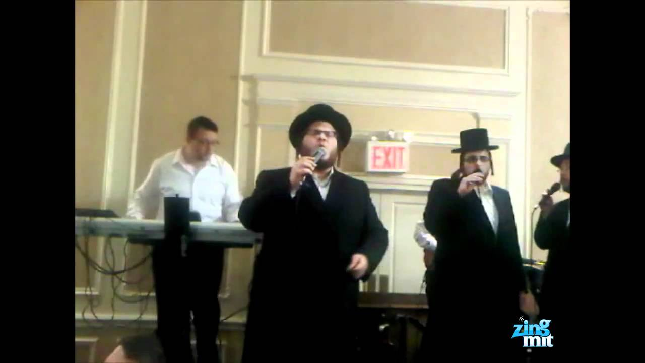 "Levy Falkowitz & Shira Choir At Wedding Singing Yiddish Song ""Moidim"""