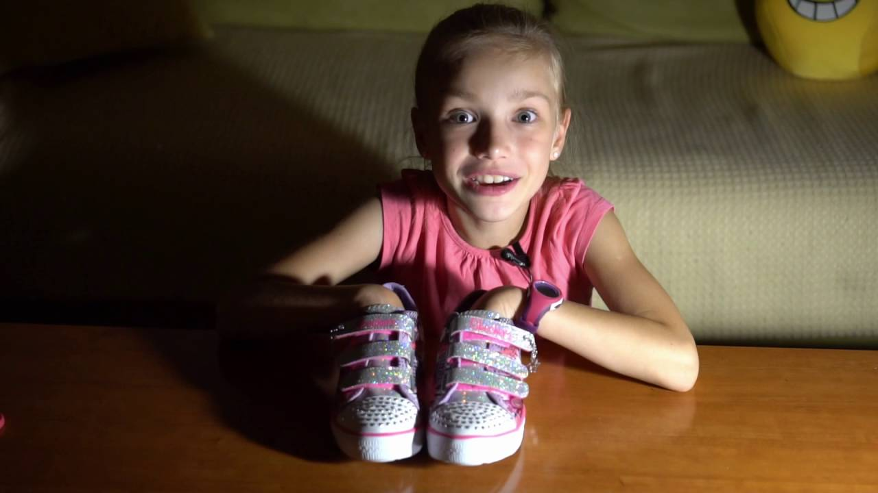 SKECHERS TWINKLE TOES LIGHT UP SHOES YouTube