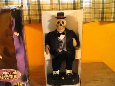 Gemmy - Hip Swinging Skeleton (Video) - YouTube