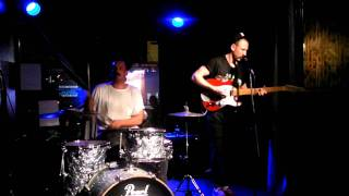 The Buzzards @ Blue Tile Lounge, Collingwood - Tear in Your Eye