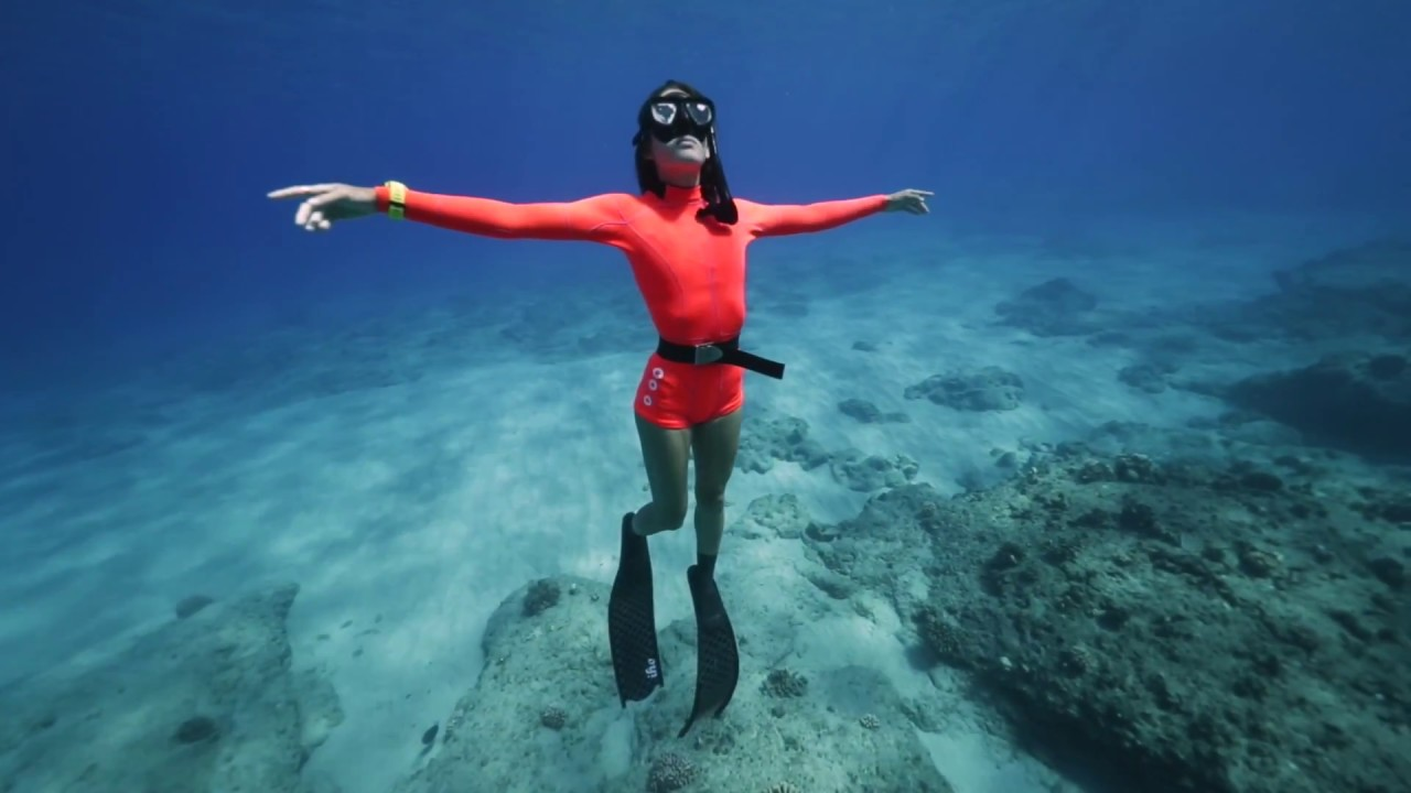 Chelsea Yamase Freediving in Hawaii