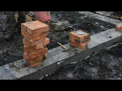 Как выложить цоколь дома кирпичами. Работа каменщика. Как построить дом своими руками