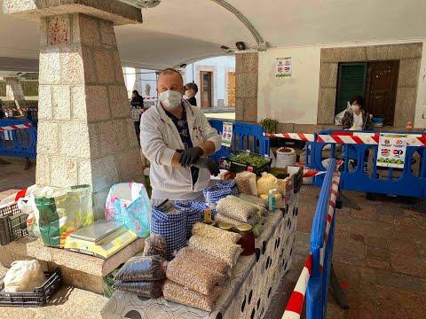 VÍDEO Primer Mercado en Cangas de Onís tras decretarse el estado de alarma