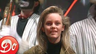 "Vanessa Paradis chante ""Joe le taxi"" au Jacky Show (1988)"