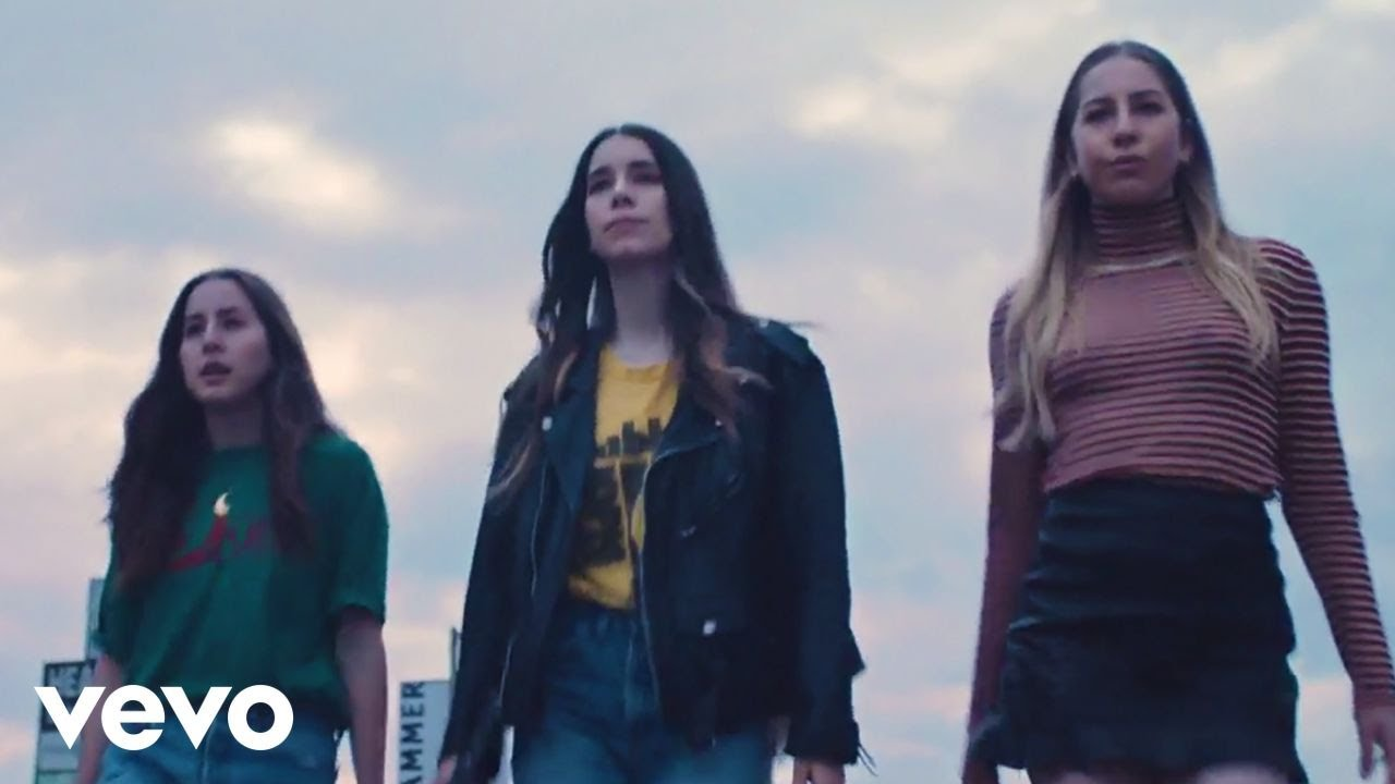 270b1e8f55 HAIM - Want You Back (Official Music Video) - YouTube