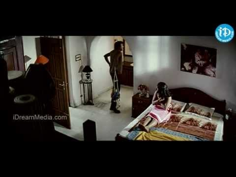 Rajendra Prasad And Damini Love  From Andagadu Movie