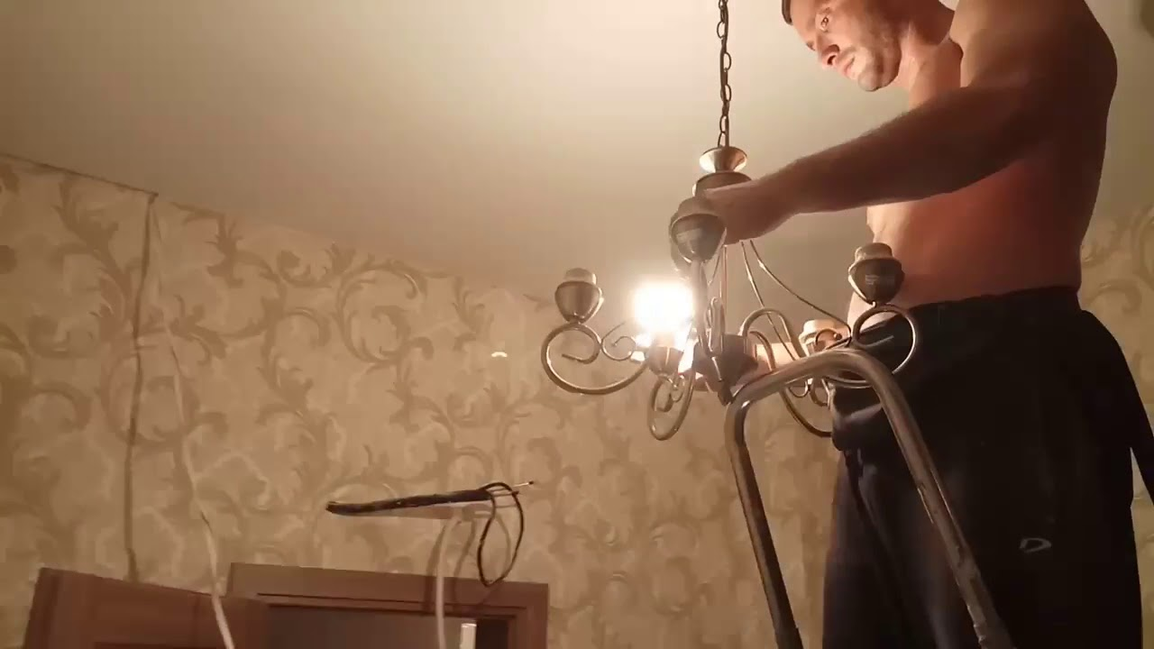 Установка люстры на натяжной потолок своими руками фото 982