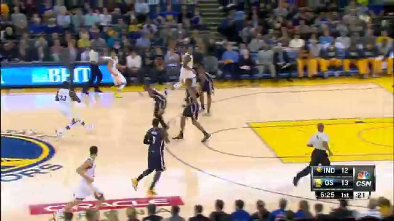 Stephen Curry Drops 1,000th Career 3-Pointer