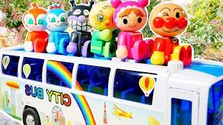 アンパンマン おもちゃ アニメ 大きなバスでおでかけをするよ♪ みんな大集合! 路線バスや幼稚園バスも登場