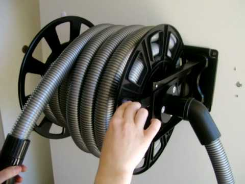Hose reel for vacuum hose