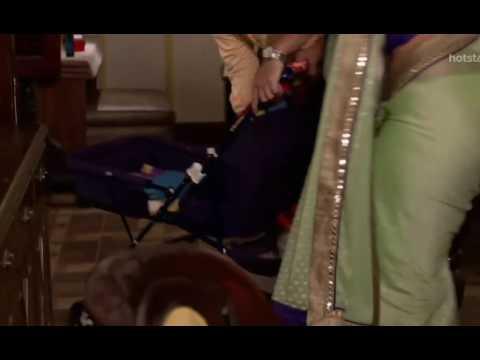 Sapna Sikarwar Navel slip in low hip saree