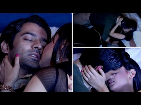 Arnav & Khushi's LOVE MAKING SCENE in Iss Pyaar Ko Kya Naam Doon 21st September 2012
