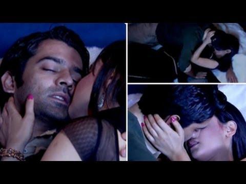 Arnav & Khushi's LOVE MAKING SCENE in Iss Pyaar Ko Kya Naam ...