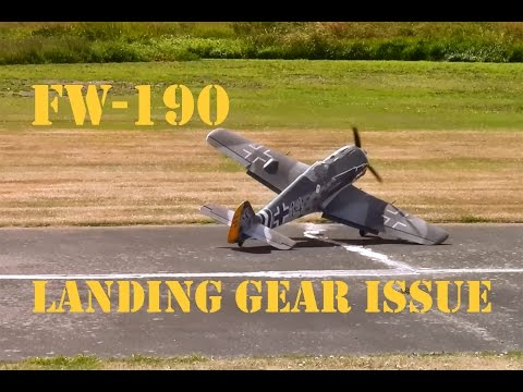 Focke-Wulf 190 flight, with gear issue at Warbirds over Whatcom
