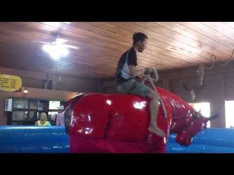 permainan Banteng Gila/Rodeo, Wisata Bahari Lamongan