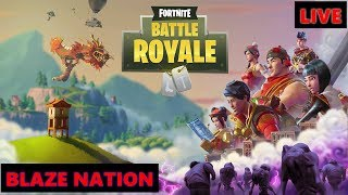 FORTNITE BATTLE ROYALE LIVE- BATTLE PASS 3 ACTIVE, MORE CHALLENGES, NEW COSTUMES AND NEW GUNS!