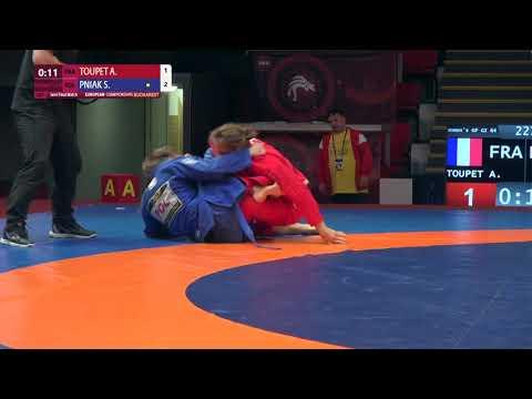 1/2 Women's GP GI - 64 kg: A. TOUPET (FRA) v. S. PNIAK (POL)