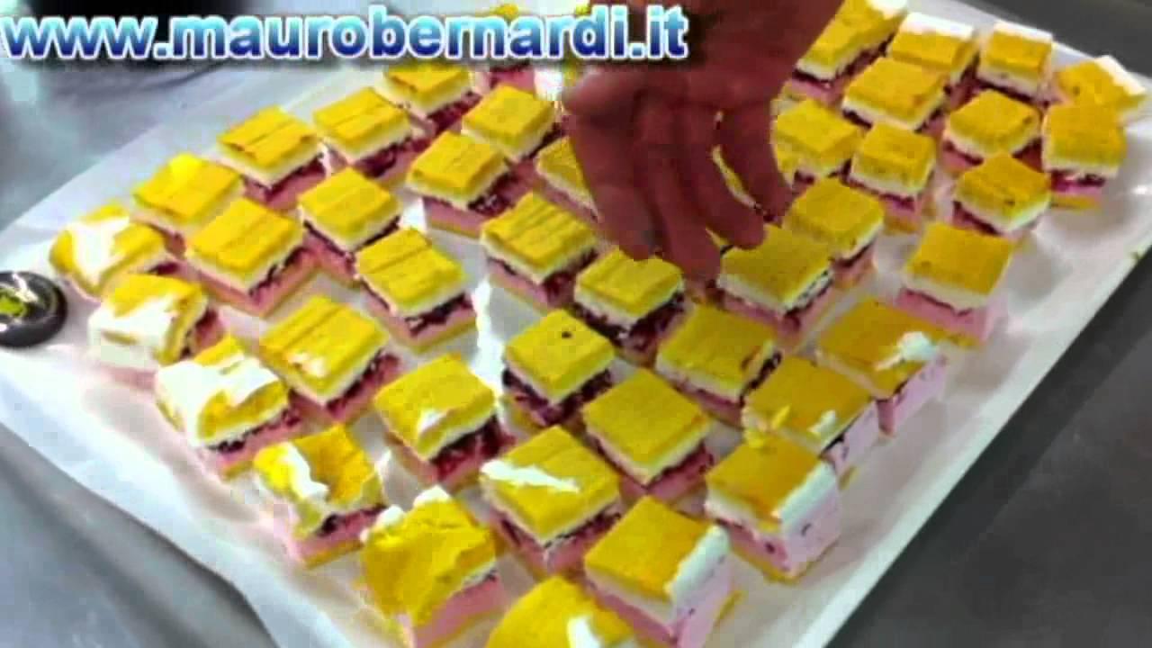Famoso La famosa pasticceria mignon del BAR CORSO - YouTube AO57