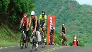Le spettacolari immagini dell' Ironman 70.3 svoltosi a Playas del C...