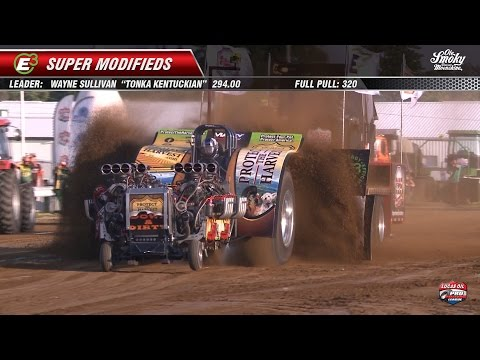 Pro Pulling League 2014: Super Modified Tractors pulling at Wilmington, OH