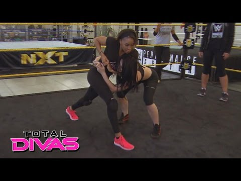 Paige trains Cameron at the WWE Performance Center: Total Divas Preview Clip: September 1, 2015