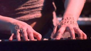 Tori Amos - With Tears In Tears Improv. - Spark (Live in Werchter, BE 05.07.98)