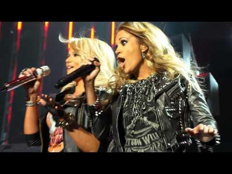 Carrie Underwood & Miranda Lambert - Something Bad - Billboard Awards