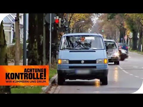 Dieses Auto steht voll im Weg: Gleich zwei Mal! | Achtung Kontrolle | kabel eins
