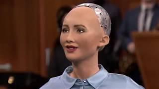 Робот София шутит про захват человечества на русском