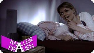 Wecker & Affe auf den Nudeln - Knallerfrauen mit Martina Hill | Die 3. Staffel