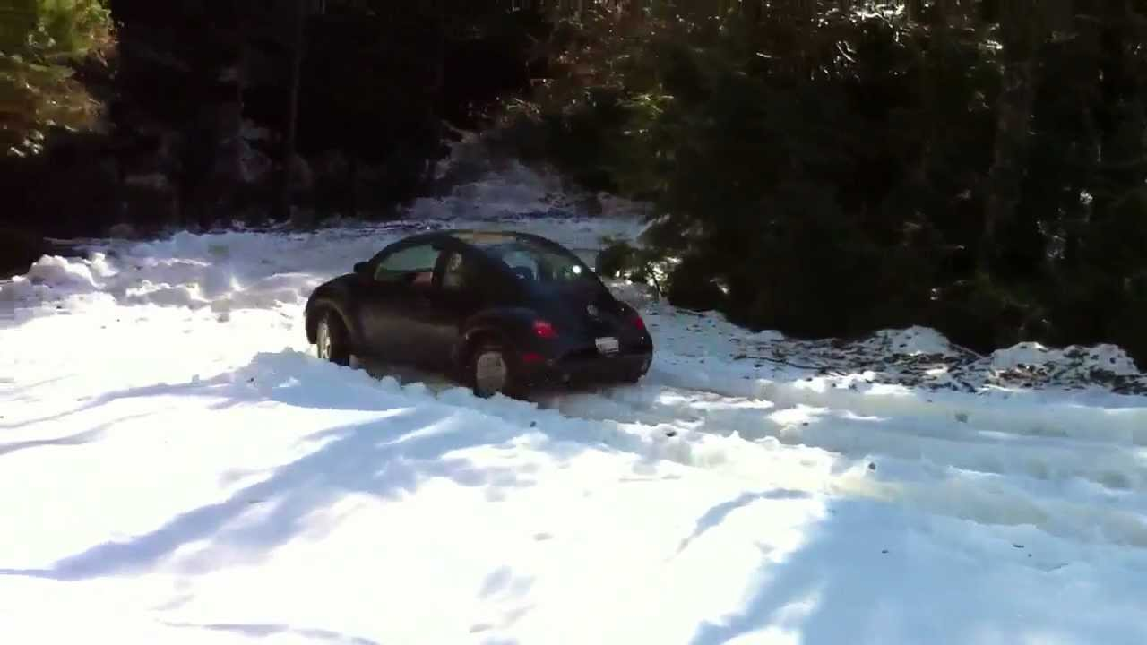 Lifted 98 VW New Beetle TDI in the snow off-road winter fun - YouTube