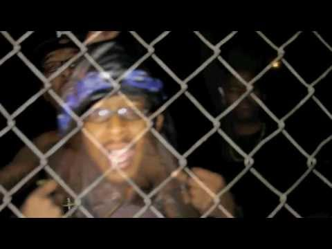 I DONT GIVE A FUXX OFFICIAL MUSIC VIDEO BY:TRAPAHOLIK3RD FEATURING CHILI CHIL