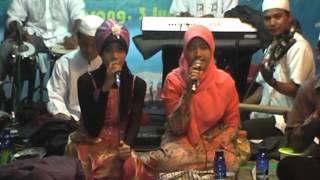 Video Qasidah Modern AmUba - Salamim Bait download MP3, 3GP, MP4, WEBM, AVI, FLV Oktober 2018